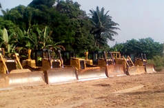 Bulldozer am Superhighway