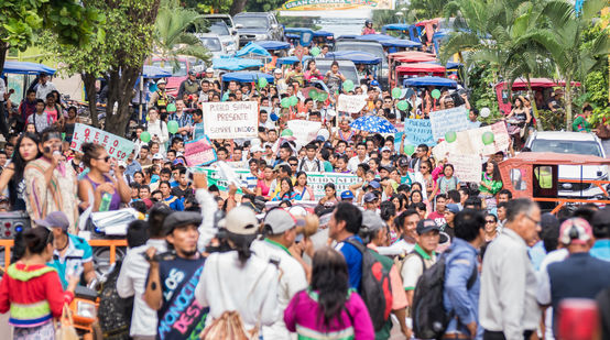 Demonstration gegen Landraub  in Pucallpa