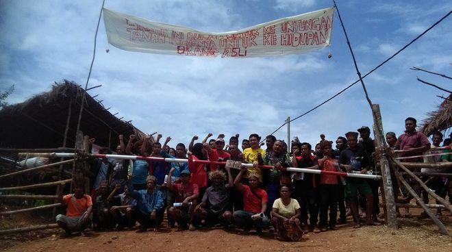 Indigene blockieren eine Straße in West-Malaysia
