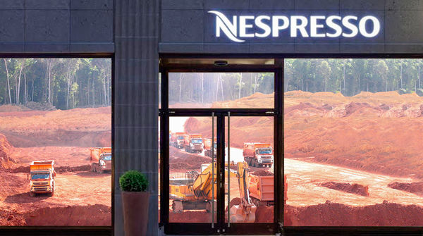 Nespresso Schaufenster mit Bauxitmine